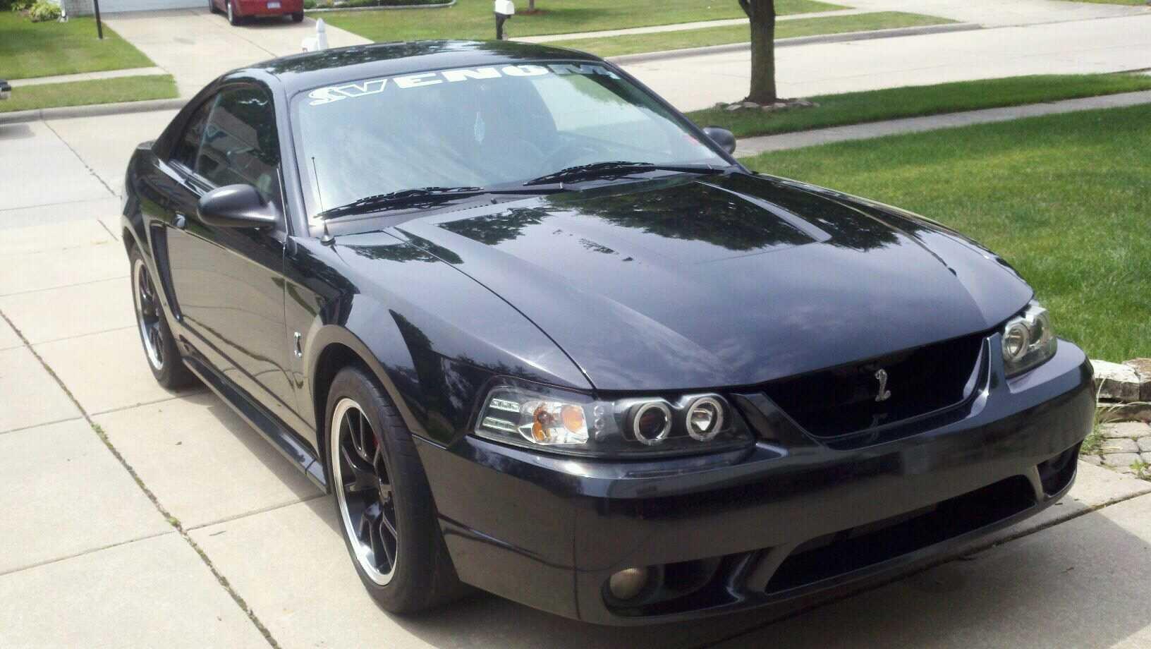 Cobra Mustang 2001