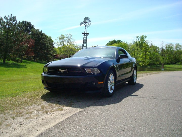 Do you name your car?-mustang_picture_01.jpg