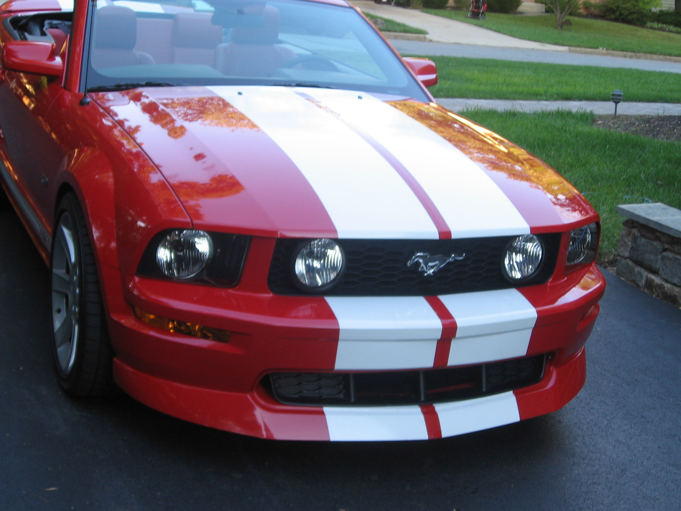 2005 Mustang GT... Is there a grill insert for the CDC ...