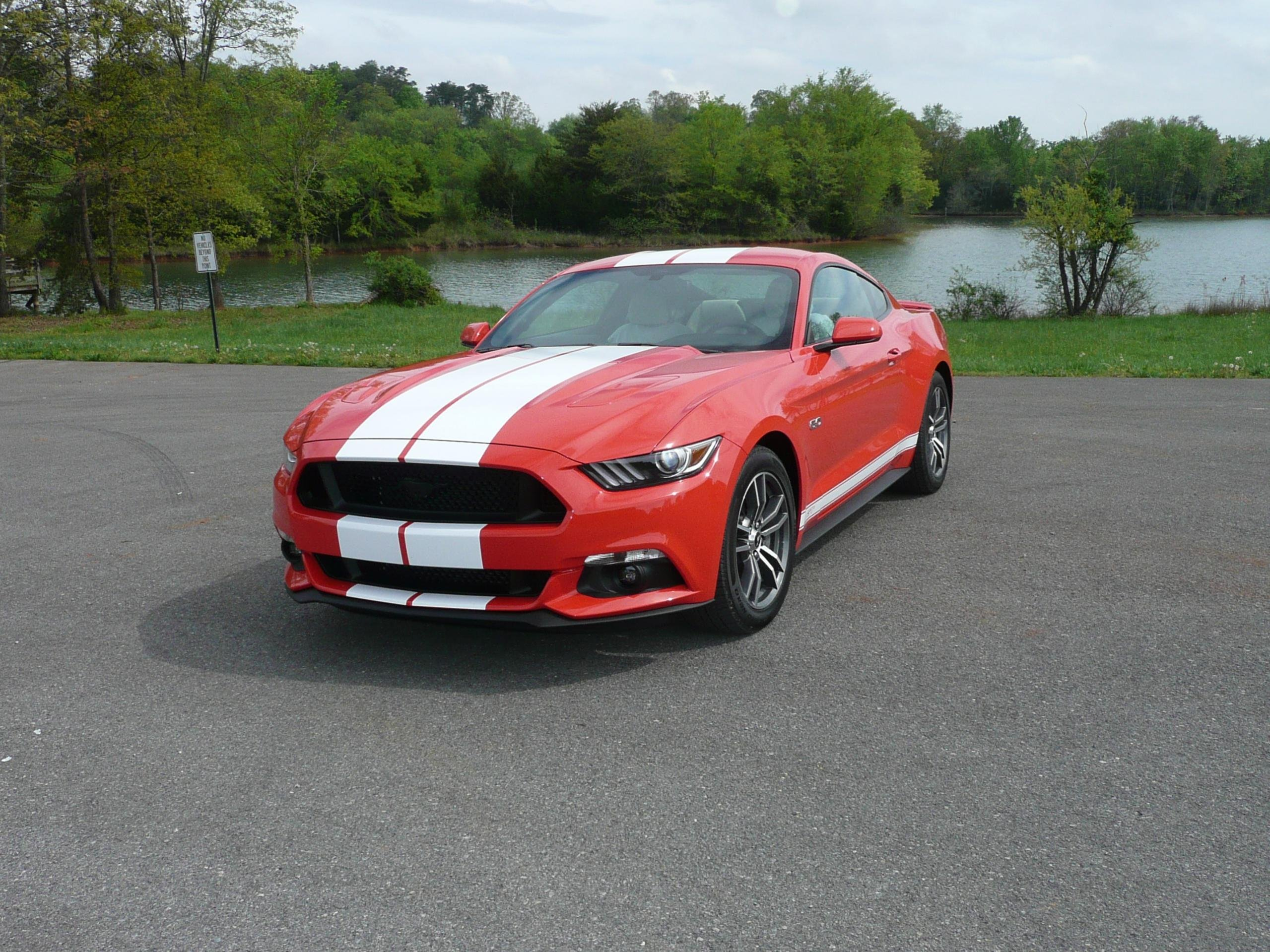 2015 mustang gt auto vs manual ford mustang forum. Black Bedroom Furniture Sets. Home Design Ideas