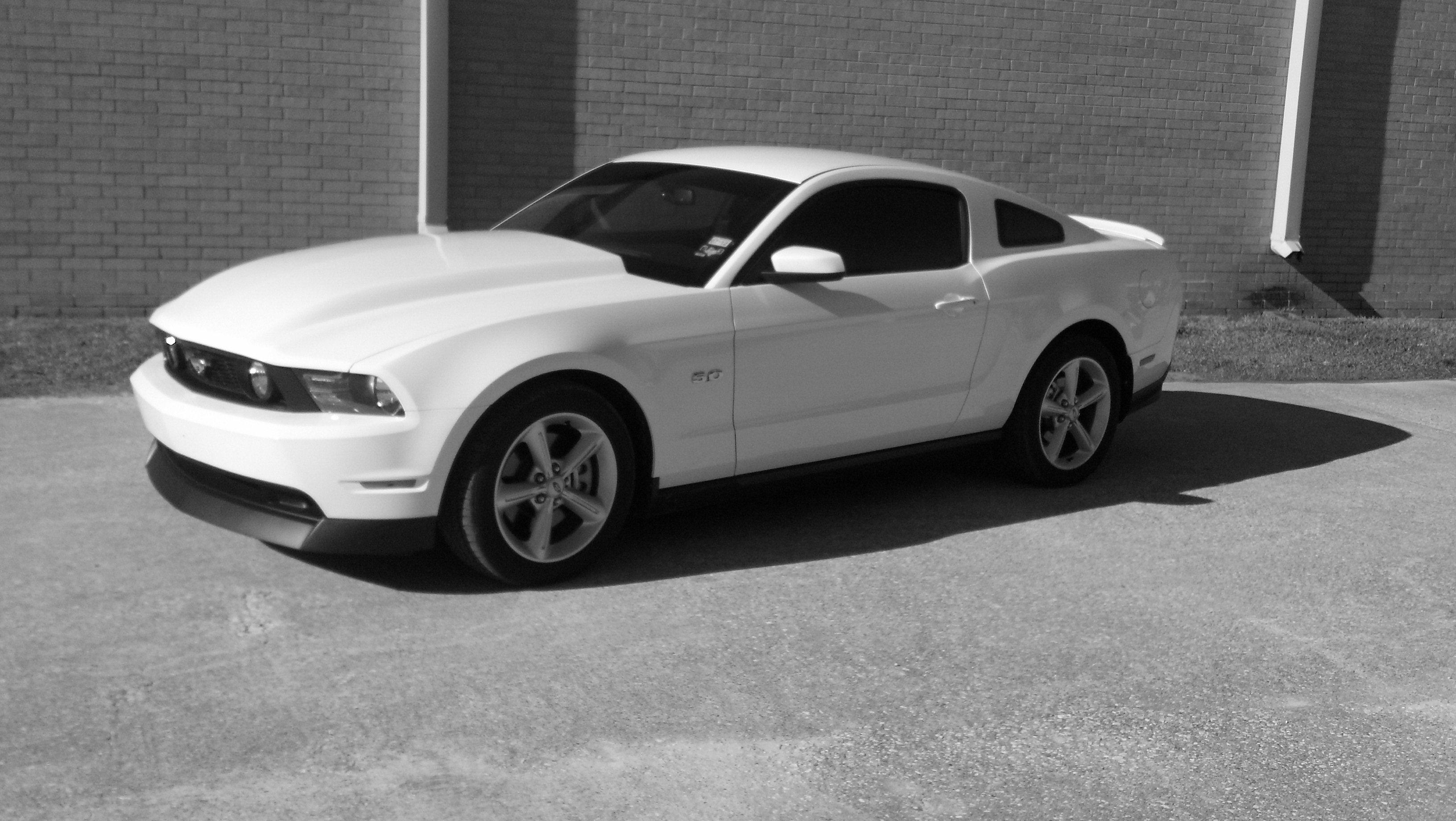 click image for larger version name resizedimage_1329919006812jpg views 7829 size 7811 - Mustang 2012 White