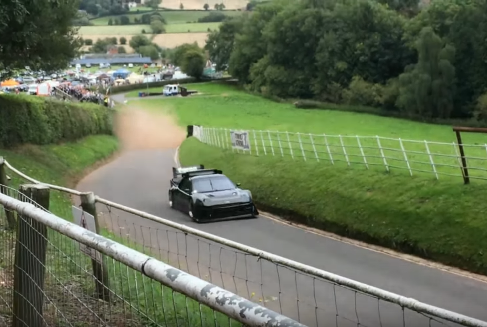 920 HP Ford RS200 Loses Hood During Hillclimb, Doesn't Care