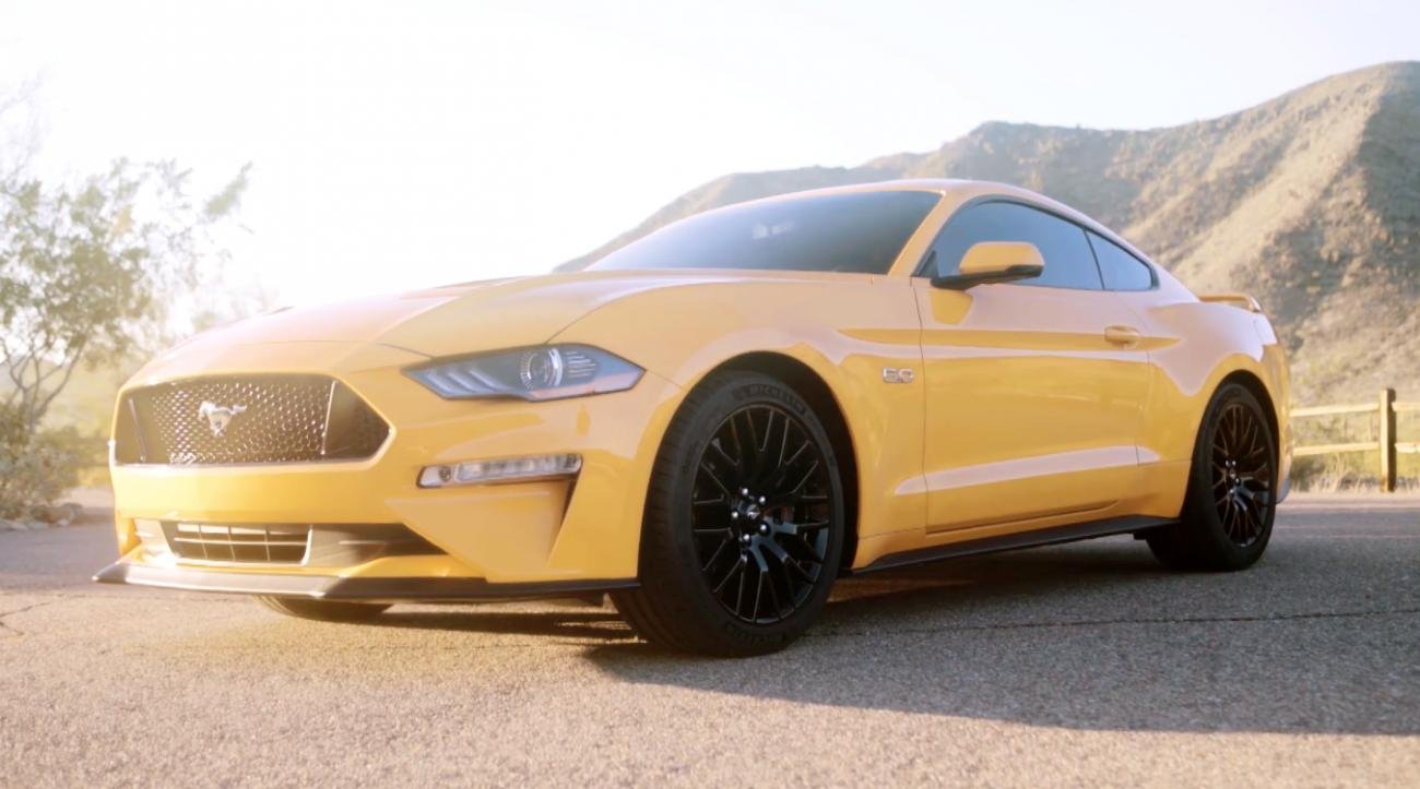 2018 Ford Mustang Leaks, Looking Like a Fish Face Stoner