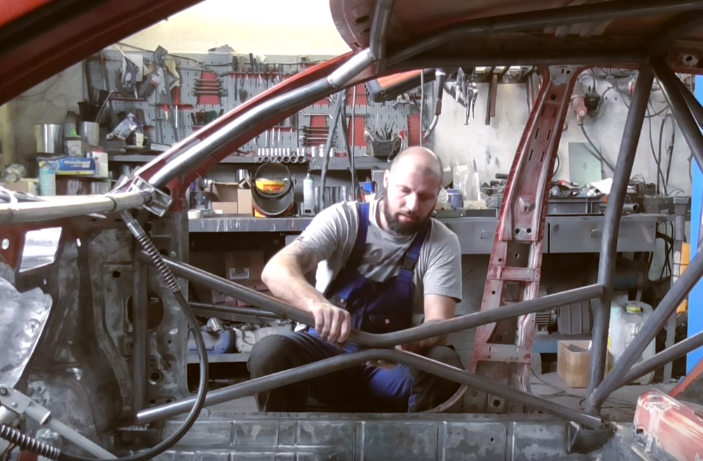 Ever Wonder How-To Make a Roll Cage?