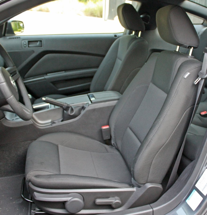 2012 mustang cloth seats upgraded from last year ford. Black Bedroom Furniture Sets. Home Design Ideas