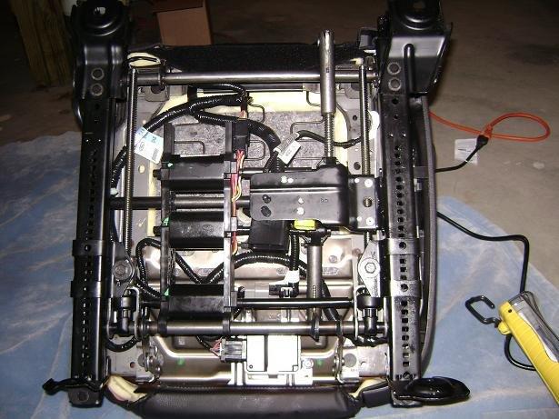 2005  Mustang Power Passenger Seat Conversion