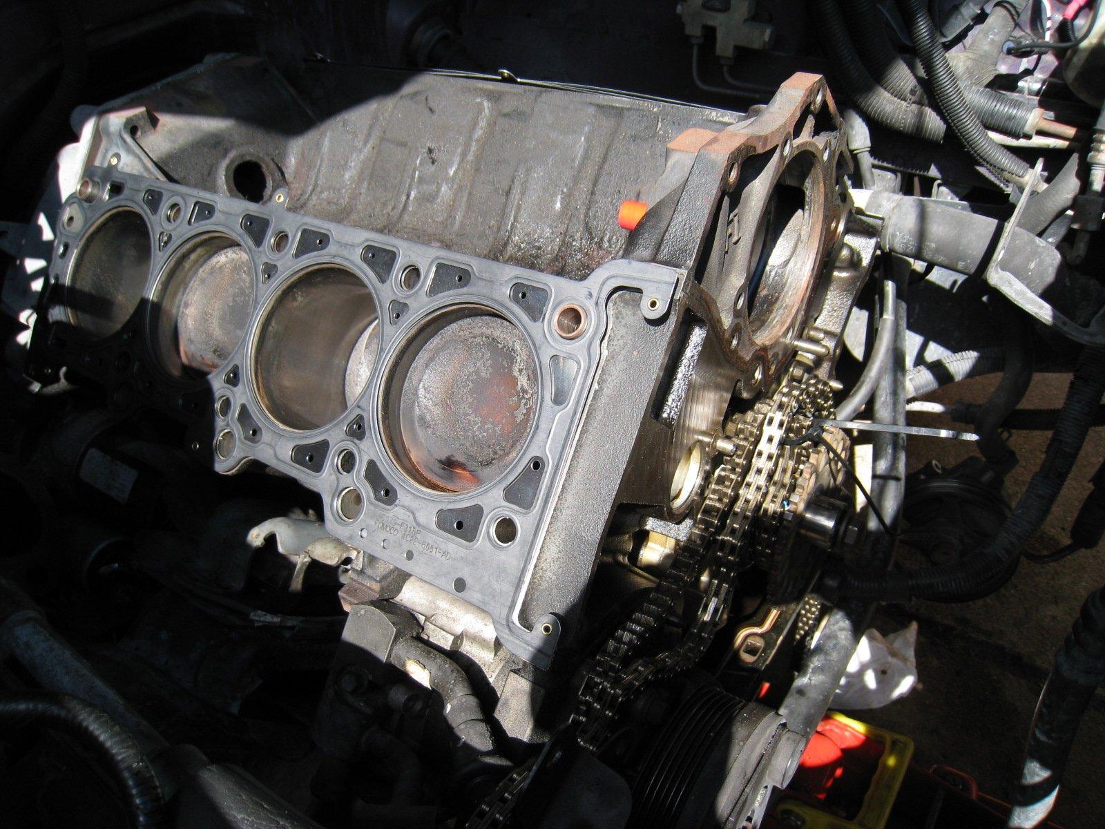 1996 Mustang Gt Pi swap, Oil leak - Ford Mustang Forum