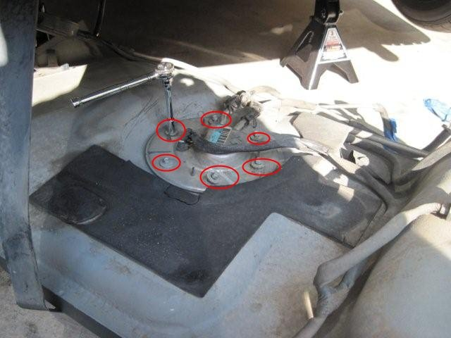 1998 Mustang Fuel Pump Removal and Installation-step13.jpg