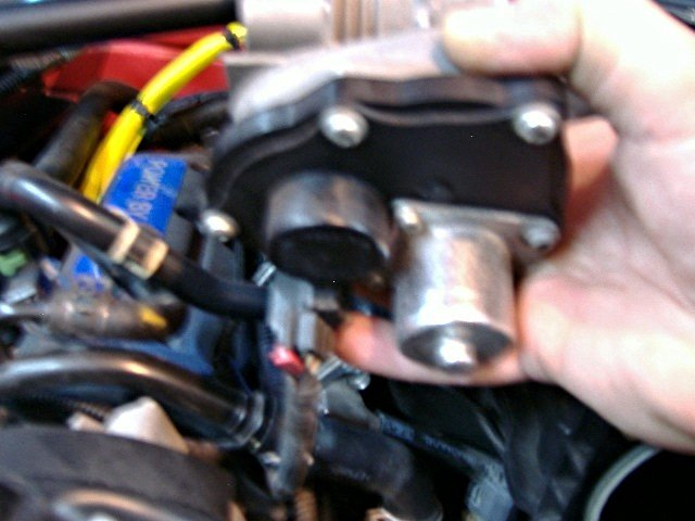 "2005 V6 Mustang thermostat and housing replacement ""how to with pics""-t-stat4-tb-connector-left-side.jpg"