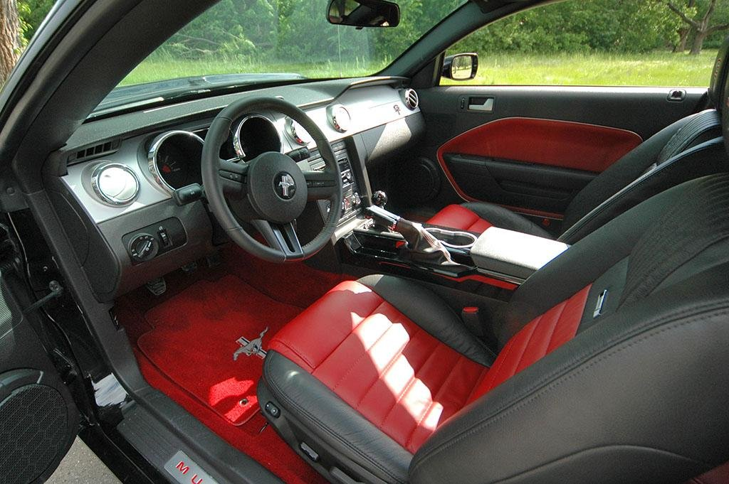 65 Mustang Interior Aftermarket http://www.allfordmustangs.com/forums/2005-2010-mustang-talk/115338-2007-mustang-interior-change.html