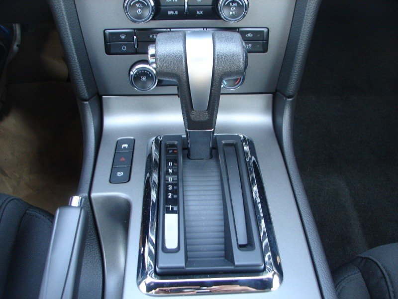 help me remove my auto shifter knob ford mustang forum rh allfordmustangs com Manual vs Auto Manual vs Auto